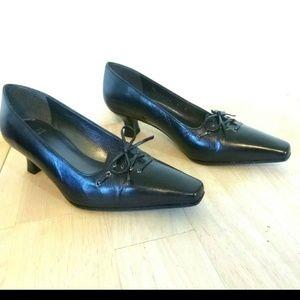 Stuart Weitzman Black Kitten Heels 5.5 B